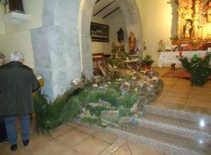 La iglesia de Monsagro recupera su Belén artesanal.